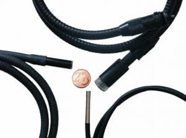 Voici un endoscope pour les inspection d'automobiles